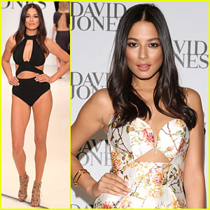 Model Jessica Gomes Flaunts Bikini Body for David Jones Fashion Show!