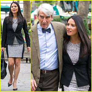 Olivia Munn Gets Wrapped Up By Sam Waterston In 'Newsroom's Final Season