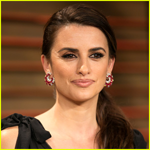 Penelope Cruz Clarifies Statements Made About Israel: 'I'm Not an Expert'