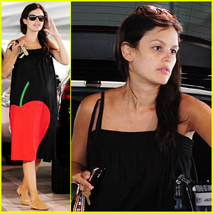 Rachel Bilson Covers Baby Bump with One Giant Apple!