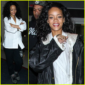 Rihanna Gets All Comfy for Her Flight to New York City