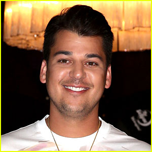 Rob Kardashian Tweets That He Has a Son