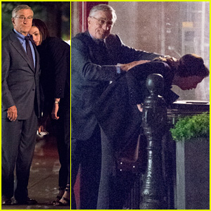 Robert De Niro Holds Back Anne Hathaway's Hair While Filming Sick 'Intern' Scene in Brooklyn