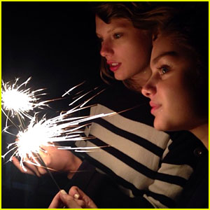 Taylor Swift Celebrates the Fourth of July with Lena Dunham & Jaime King - Watch Here!