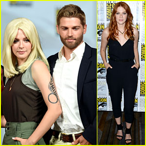Under the Dome's Rachelle Lefevre Dons Blonde Wig for Comic-Con Panel!