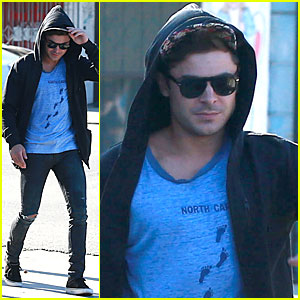Zac Efron Grabs Lunch with His Manager Jason Barrett