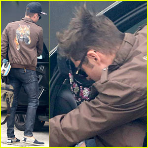 Zac Efron Spotted Leaving Michelle Rodriguez's Home with His Overnight Bag!