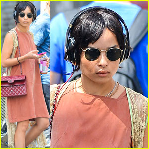 Zoe Kravitz Listens to Some Music in NYC!