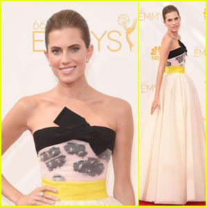 Allison Williams Looks Like a Princess at Emmys 2014!