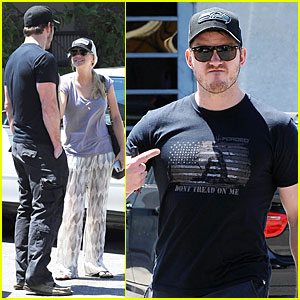 Chris Pratt & Wife Anna Faris Satisfy Lunch Cravings at Jinky's Cafe