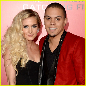 Ashlee Simpson & Evan Ross Are Married!