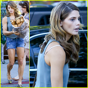 Ashley Greene Recently Had the Perfect Day with Her Mom & BFF!