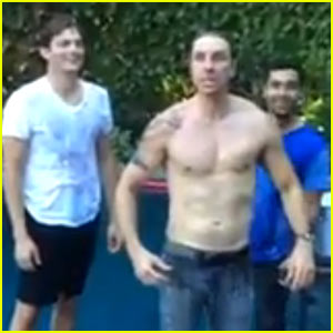 Ashton Kutcher & Wilmer Valderrama Accept Topher Grace's Ice Bucket Challenge - Watch Now!