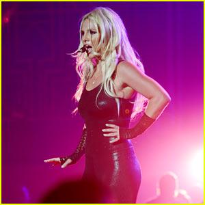 Britney Spears Makes Her Vegas Return & Looks Amazing!