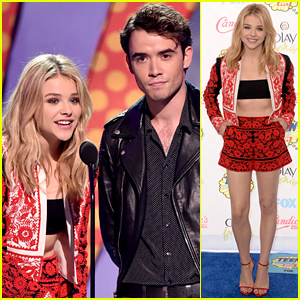 Chloe Moretz Wears a Tiny Tube Top at Teen Choice Awards 2014