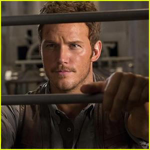 Chris Pratt Looks So Hunky in New 'Jurassic World' Still!