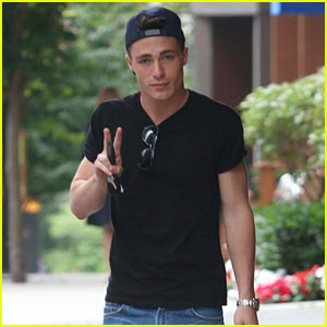 Colton Haynes & Emily Bett Rickards Take On the Ice Bucket Challenge - Watch Now!