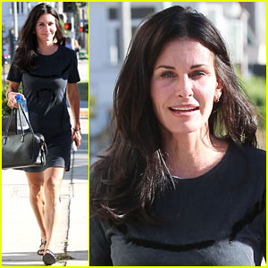 Courteney Cox Steps Out After 'Friends' Ladies Reunite!