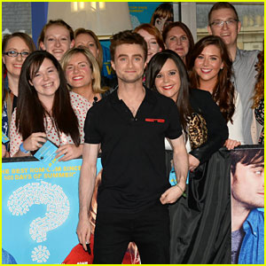 Daniel Radcliffe Hangs Out with Fans at 'What If' Dublin Premiere!
