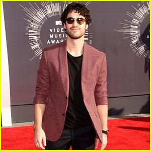 Darren Criss Loved 5 Seconds of Summer at the MTV VMAs 2014!