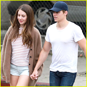 Dave Franco & Alison Brie Look So Cute Together for Sunday Brunch