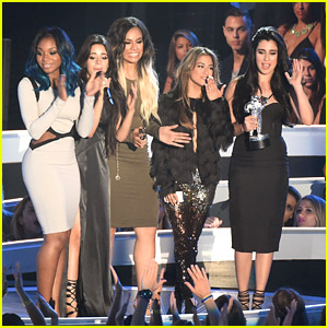 Fifth Harmony Pick Up Artist To Watch Award at MTV VMAs 2014!