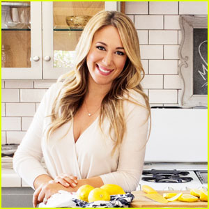Haylie Duff Shows Her Love For Cooking in 'Food Network'!