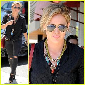 Hilary Duff Postpones Album Release Date By a Few Months