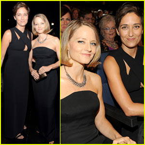 Jodie Foster Attends Emmys 2014 with Wife Alexandra Hedison!