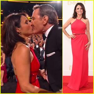 Julia Louis-Dreyfus Kisses Bryan Cranston After Her Emmy Win!
