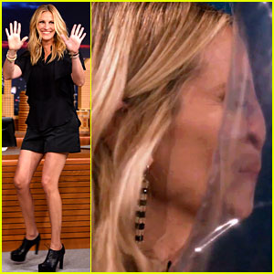 Julia Roberts' Face Gets Smushed During 'Face Balls' Game!