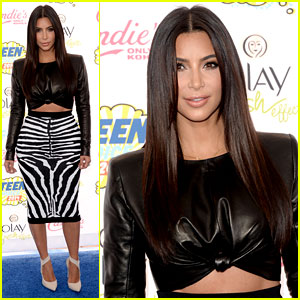 Kim Kardashian Rocks Zebra Stipes at Teen Choice Awards 2014