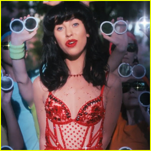 Kimbra Debuts 'Miracle' Music Video In Celebration of 'The Golden Echo' Release - Watch Now!