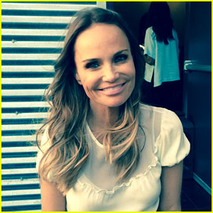 Kristin Chenoweth Debuts New Dark Hair Color