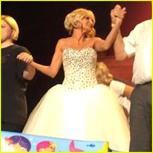 Kristin Chenoweth Does Ice Bucket Challenge in Her Ball Gown & On Stage - Watch Now!