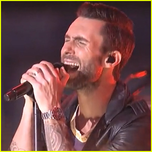 Maroon 5 Performs 'Maps' at the MTV VMAs 2014 - Watch Now!