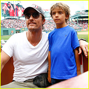 Matthew McConaughey Isn't Afraid to Wear Fanny Pack at Baseball Game