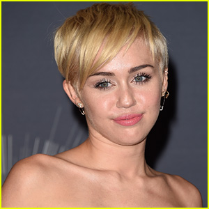 Miley Cyrus: I Still Love Liam Hemsworth & He Loves Me