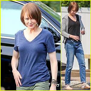Nicole Kidman Knows How to Rock a V Neck For 'Family Fang'