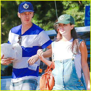 Rachel Bilson & Hayden Christensen Take Another Babymoon!