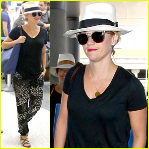 Reese Witherspoon Wishes Everyone a 'Happy Weekend' While Flying Out of Los Angeles