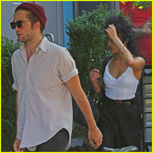 Robert Pattinson Spends Time with Tom Sturridge & Friends