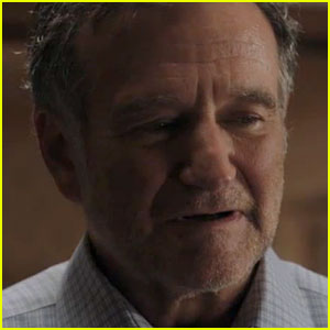 Robin Williams Shines in New 'A Merry Friggin' Christmas' Clip