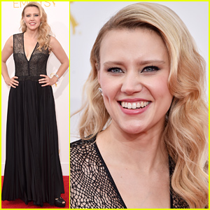 Saturday Night Live's Kate McKinnon Works the Red Carpet at Emmys 2014!