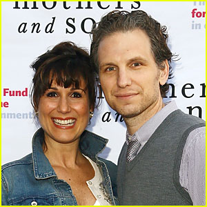 House of Cards' Sebastian Arcelus & Wife Stephanie J. Block Expecting First Child