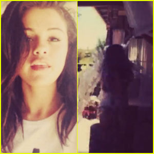 Selena Gomez Takes the ALS Ice Bucket Challenge with a Scream - Watch Here!