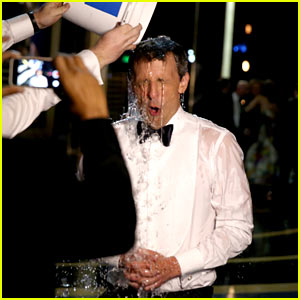 Seth Meyers Finishes Emmys & Does Ice Bucket Challenge!
