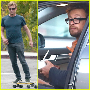 Simon Baker Looks So Cool Skateboarding in L.A.