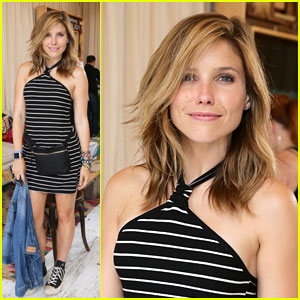 Sophia Bush is Pretty in Black & White at Lollapalooza!