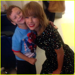 Taylor Swift Visits Young Cancer Patient & Sings - Watch Now!